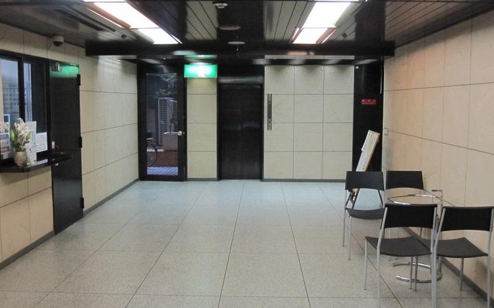 ダイアパレス新宿1丁目の玄関ロビー
